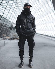 Do you feel people think different about you, if you wear techwear related clothing? 🤔 As always let's have a nice small chat in the… Moda Cyberpunk, Cyberpunk Fashion, Dark Fashion, Mens Fashion, Moda Blog, Style Japonais, Future Fashion, Character Outfits, Japan Fashion