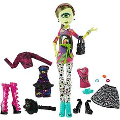"Monster High I (Heart) Fashion Iris Clops Doll & Fashion - Mattel - Toys ""R"" Us"
