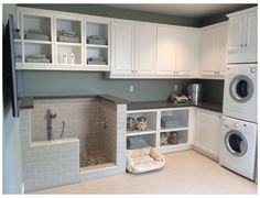 Mudroom Laundry Room, Laundry Room Layouts, Laundry Room Remodel, Laundry Room Design, Dog Bathing Station, Laundry Room Inspiration, Animal Room, Dog Rooms, Dream Home Design