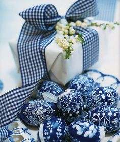 Decorating with blue/white niche accessories (even ribbon!) from Easter with Carolyne Roehm