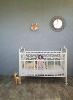 Lit de bébé en rotin blanc vintage : Chambre d'enfant, de bébé par perles-de-chine