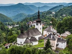 Things to Do When on Holiday in Slovakia Family Holiday Destinations, Vacation Destinations, Mountainous Terrain, Mountain Climbing, European Countries, Resort Spa, Tourism, Places To Go, Things To Do