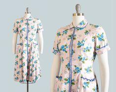 Vintage-1940s-Dress-40s-Rose-Floral-Print-Cotton-Pink-Blue-House-Day-Dress