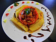 Ντομάτες γεμιστές με κριθαράκι και λουκάνικο Risotto, Waffles, French Toast, Breakfast, Rice, Food, Morning Coffee, Essen, Waffle