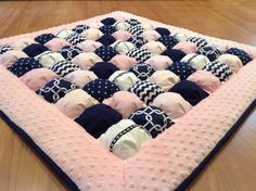 Bubble Quilt Puff Quilt for Baby Floor Time Tummy Time Mat Quilting Projects, Sewing Projects, Biscuit Quilt, Puffy Quilt, Bubble Quilt, Baby Rag Quilts, Minky Fabric, Cotton Fabric, Log Cabin Quilts