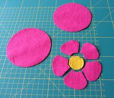 felt-flower-coasters-1