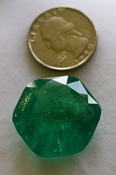 The 18 8 Carat Quot Carolina Queen Emerald Quot Was Cut From An 71