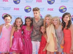 the girls with justin bieber