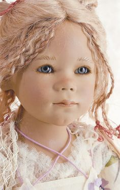 Lunna by Annette Himstedt. So ethereal.