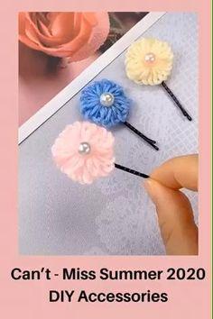 Making Hair Bows, Diy Hair Bows, Hair Tie, Ribbon Hair Clips, Baby Hair Clips, Diy Crafts Hacks, Diy Crafts For Gifts, Yarn Flowers, Diy Flowers