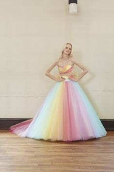 I love the bottom of the dress Colorful Prom Dresses, Wedding Dresses For Girls, Pretty Dresses, Beautiful Dresses, Quinceanera Dresses, Rainbow Wedding Dress, Rainbow Outfit, Contemporary Dresses, Tulle Dress