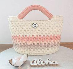 - Her Crochet - Diy Crafts - Qoster - Diy Crafts - Qoster Diy Crochet Bag, Diy Crafts Crochet, Crochet Purse Patterns, Crochet Market Bag, Knit Crochet, Crochet Baskets, Tunisian Crochet, Crochet Handbags, Crochet Purses
