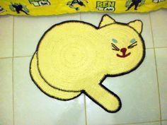 Tapete gato infantil em barbante 50cm x 60cm R$ 55,00