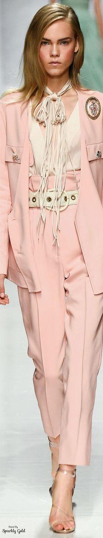 Ermanno Scervino Spring 2017 RTW                                                                                                                                                                                 More Only Fashion, I Love Fashion, Fashion 2017, Runway Fashion, Womens Fashion, Fashion Design, Milan Fashion, Ladies Fashion, Pastel Fashion