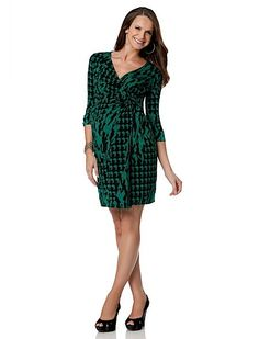 Sport a fab frock from a Pea in the Pod this fall! @babycenter #fashion