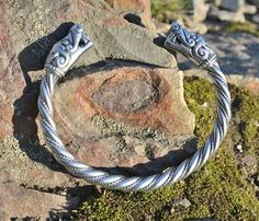 VIKING Pewter Wolf  Bracelet Fenrir Pagan Norse Head Wolves Bangle Jewel Jewelry Jewellery Iceland Thor Hammer Mjollnir Museum Beast