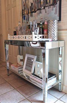Hacemos el mueble que quieras a medida y revestidos en espejo también. dubinicz@gmail.com