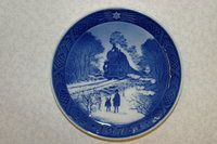 Royal Copenhagen Christmas plate 1973. Great for decorating your wall together with other vintage plates.