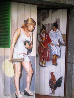 Bares e portas pintadas deram vida à zona velha do Funchal