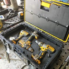 20 Ideas Cordless Power Tool Storage Shops For 2019 Dewalt Power Tools, Cordless Power Tools, Dewalt Storage, Garage Storage, Shop Storage, Diy Garage, Carpentry Tools, Woodworking Tools, Dewalt Tough System