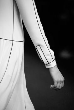 Fashion we like / Black and WHite / Lines / Contrast / Sleeve / at ****LUNA **** : Photo