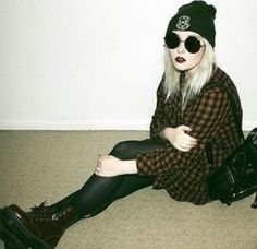 All I need for this look would be a band tee, big flannel (well, big is the only way to wear one), black tights, circular, black sunglasses (check), doc martens, and maybe skip the rest;D