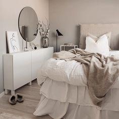 Aesthetic Room Decor, Room Goals, Bedroom Inspo, My New Room, Minimalist Design, Decoration, Room Inspiration, Interior Design, Furniture