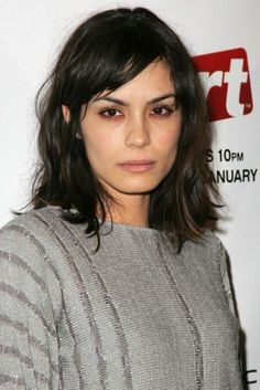 Snoop Dogg Los Angeles Premiere Soul Stock Photo (Edit Now) 261701489 Brown Hair And Grey Eyes, Short Brown Hair, Dark Hair, I Like Your Hair, Great Hair, Messy Hairstyles, Straight Hairstyles, Shannyn Sossamon, Summer Haircuts