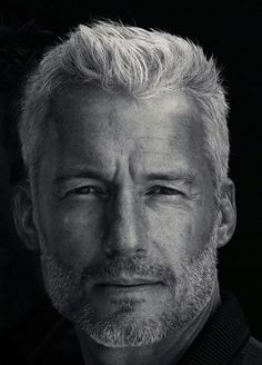 Mastering your Hair: Top 10 advices for a Modern Man Our Hairstyles Mens Hairstyles Older Men Haircuts, Older Mens Hairstyles, Men's Hairstyles, Short Haircuts, Hair And Beard Styles, Short Hair Styles, Silver Foxes Men, Handsome Older Men, Straight Hair