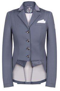 LIMITED EDITION! Grey! Superchique jasje van softshell in de kleur grijs. De perfecte combinatie tussen een standaard model rijjasje en een slipjas! Als extraatje heeft dit jasje een pochet in het...