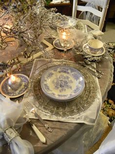 So elegant and whimsical, I just adore that old blue china!!!!