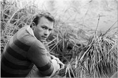 You know how I love a stripped sweater. Heath Legder, Beautiful Men, Beautiful People, I Will Remember You, Heath Ledger Joker, Australian Actors, True Legend, Michelle Williams, Film Director