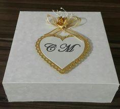 Caja de torta para matrimonio. Modelo II. De venta en Guayaquil informes por este medio o al correo cajitasyalgomasgye@gmail.com