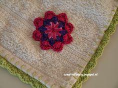 Creatief bezig: Handdoek met bloemetje