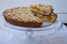 Crostata di pesche con pezzi di frutta Muffin, Breakfast, Food, Dinners, Morning Coffee, Muffins, Meals, Cupcakes, Yemek