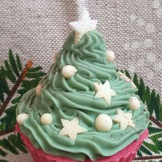 Christmas Tree Cupcake Soap 🌲🎄 The tree that shouldn't miss in anyone's home for Christmas Eve. 😉 The scent will remind you of a walk in… Christmas Tree Cupcakes, Cupcake Soap, Handmade Soaps, Christmas Home, Eve, Desserts, Instagram, Food, Tailgate Desserts