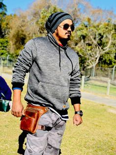 Add swag to your need. Use trending waist bag made of pure Cow Leather and best quality. Cowhide Leather, Cow Leather, Waist Pack, Bag Making, Vintage Men, Safety, Swag, Fancy, Shoulder Bag