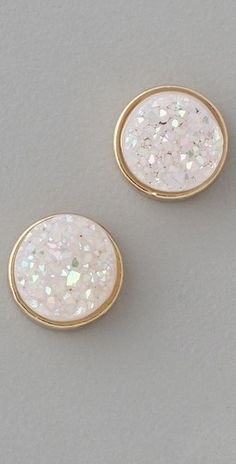 I need these earrings to complete the stripe shirt red jeans and animal print flats.