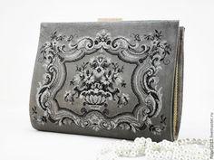 """Купить """"Мерцающая дымка"""" замшевая сумочка с вышивкой - серый, сумочка, сумочка театральная, вечерняя сумка"""
