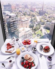 Breakfast with the best view of Melbourne! You might have to roll me to Aus Open after this feast! Luckily it's only a tram ride away! @sofitelmelbourneoncollins @accorhotels_aus #accorhotelscourtside