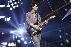 Lee JongHyun's Wives/Guitars - Lee Jonghyun 이종현