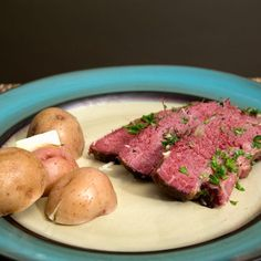 How to Cook Corned Beef in an Oven