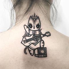 . . Niedlich muss nicht immer bunt sein Wer glaubt, dass süße Tattoo-Motive viele verschiedene Farben brauchen, der hat noch nicht die Tätowierungen von Hugo Tattooer gesehen. Der Süd-Koreaner betreibt ein florierendes Tattoo-Studio in der Hauptstadt Seoul. Seine Motive sind minimalistisch angl…