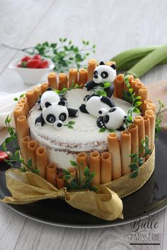 Panda Birthday Cake, Animal Birthday Cakes, Pretty Birthday Cakes, Pretty Cakes, Birthday Cake Designs, Brithday Cake, Dog Birthday, Birthday Wishes, Birthday Ideas