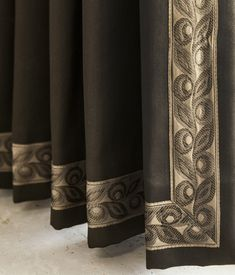 DesignNashville.com, custom draperies with and without trim, shipping to you.  message us for service.