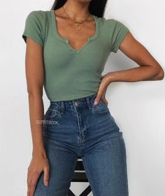 Find the best outfits for your summer look. Outfits 2019 Outfits casual Outfits for moms Outfits for school Outfits for teen girls Outfits for work Outfits with hats Outfits women Simple Outfits For School, Cute Casual Outfits, Simple Summer Outfits, Hijab Casual, Everyday Outfits Simple, Casual Summer, Summer Clothes, Preppy Casual, Summer Ideas