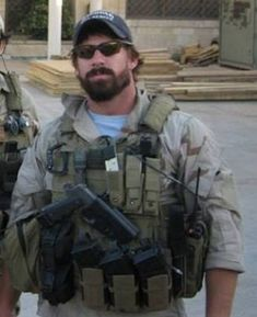 Your Daily Dose Of Great Beards ✔️from www.beardedmoney.com Military Gear, Military Police, Hot Navy Seals, Marine Special Forces, Army Green Beret, Tactical Beard, Delta Force, Combat Gear, Man Of War