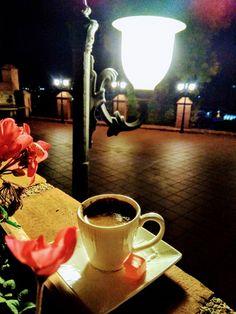 Coffee Time, Coffee Coffee, Breakfast Tea, Food And Drink, Tableware, Flowers, Drinks, Instagram, Mugs