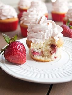 These fresh Strawberry Cupcakes are made entirely from scratch with real strawberries. These delectable cupcakes will melt in your mouth. There is nothin Strawberry Cupcakes, Yummy Cupcakes, Strawberry Recipes, Fruity Cupcakes, Mocha Cupcakes, Strawberry Tart, Gourmet Cupcakes, Easter Cupcakes, Velvet Cupcakes