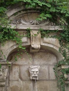 Fontaine St Sour à TERRASSON en Dordogne
